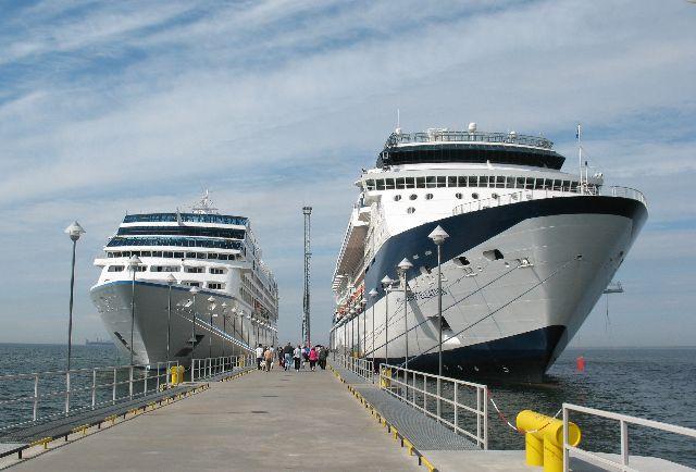船の旅 (6月24日)タリンの観光( エストニア)_e0098241_10455296.jpg