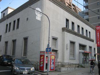 山口銀行北支店 (現 三菱東京UFJ銀行天神橋支店)_f0139570_0202122.jpg