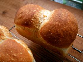 バター2%だけのミニ食パン_c0110869_2123073.jpg