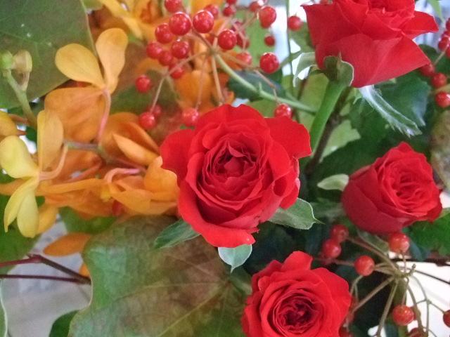 オークリーフ花の教室(山田さん(上)と望月さん(下)の作品)_f0049672_15174254.jpg