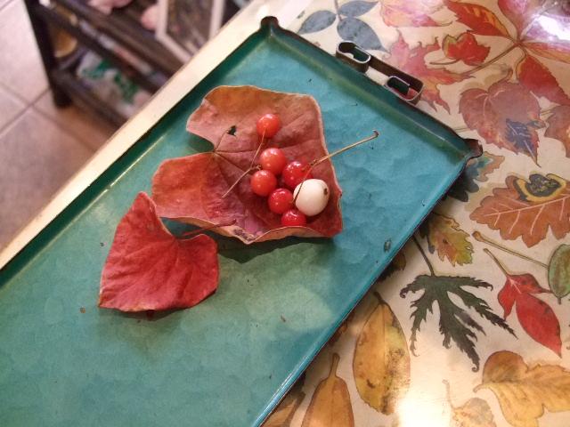 オークリーフ花の教室(山田さん(上)と望月さん(下)の作品)_f0049672_15443265.jpg
