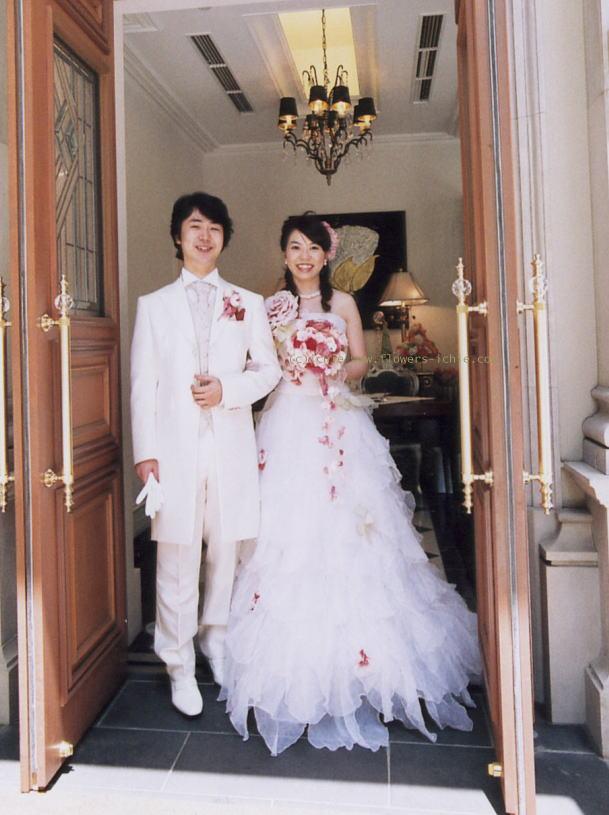 新郎新婦様からのメール バラの舞うドレス セントグレース大聖堂_a0042928_23312422.jpg