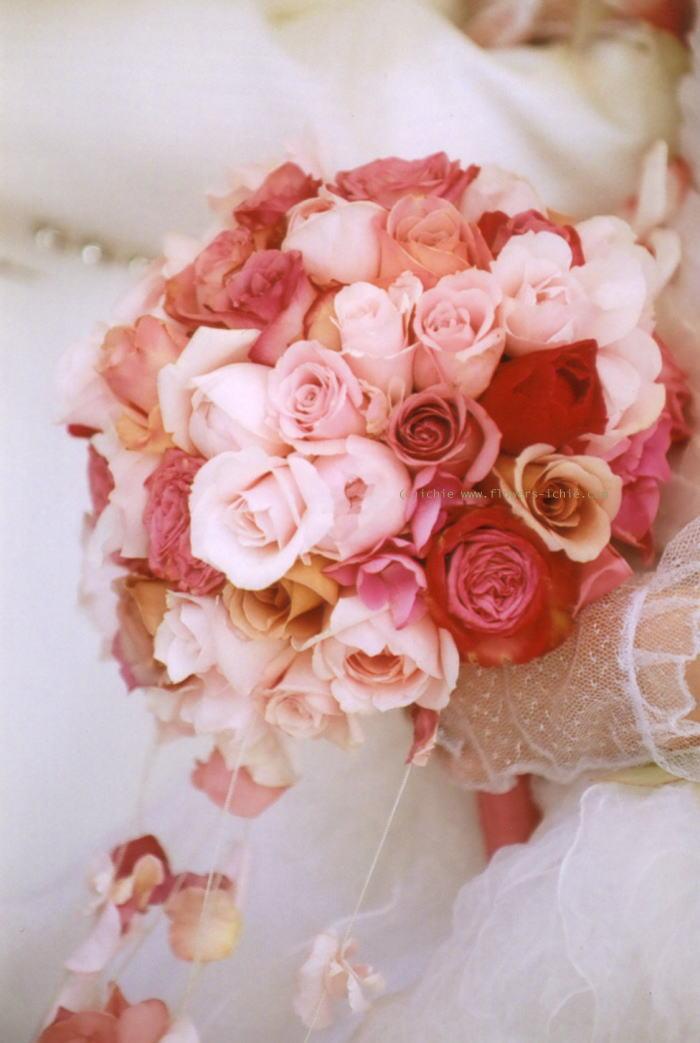新郎新婦様からのメール バラの舞うドレス セントグレース大聖堂_a0042928_23313855.jpg
