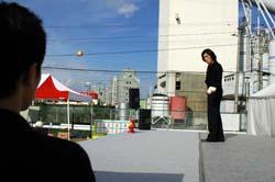 炎天下のジャグリング!そして静岡へ_b0008475_7591348.jpg