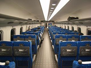 新幹線。_b0095981_8484896.jpg