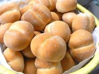 ランチはパンで_f0019247_0472973.jpg