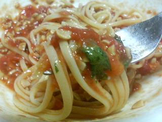 納豆トマトソーススパゲティ_c0025217_2422076.jpg