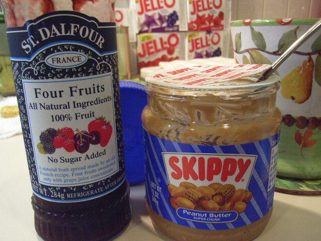 9月21日(金) SKIPPYの正しい食べ方~P&J~_d0082944_1235290.jpg