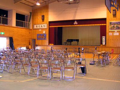 島のステキな中学校♪_a0047200_7144666.jpg