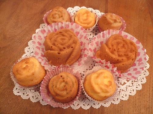 ミニマリアのバラのケーキ..。.゚。*・。♥_a0053662_0362419.jpg