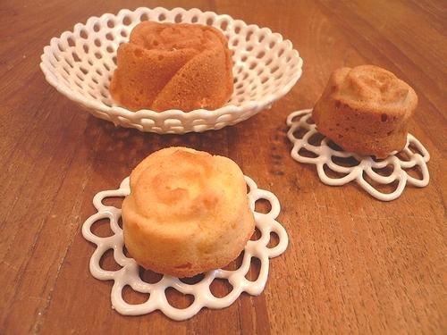 ミニマリアのバラのケーキ..。.゚。*・。♥_a0053662_1162117.jpg
