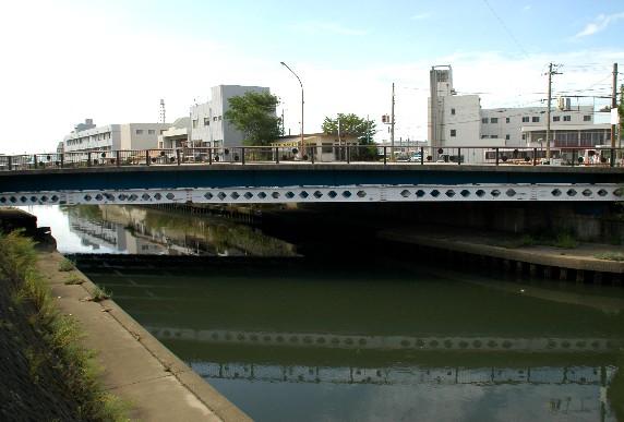 川のある風景_b0093754_0325985.jpg