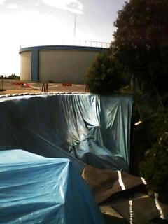 小名浜配水池で送配水管が破損事故、法面崩落の現場_e0068696_953361.jpg