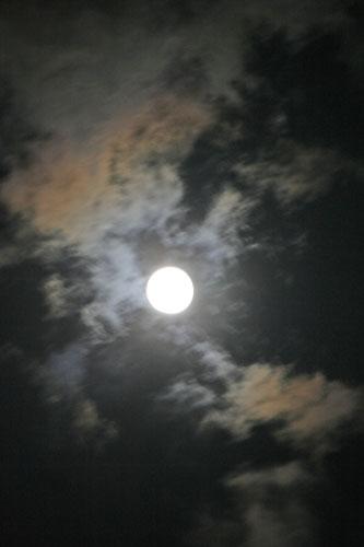 満月_a0099628_23594471.jpg