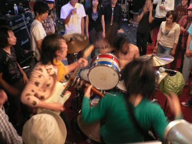 2007年09月30日(日) 「SCUM NIGHT A GO!! GO!! Vol.8」_f0004730_1440480.jpg
