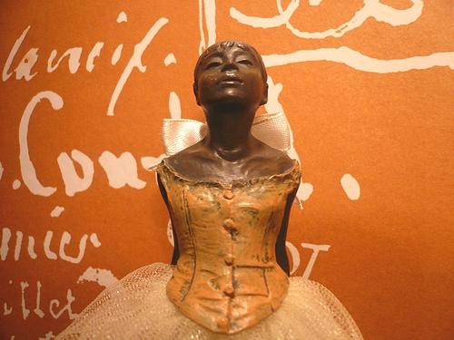 シンクロニシティ Synchronicity 素敵な偶然  Edgar Degas 踊り子のブロンズ像 ..。.゚。*・。♥_a0053662_271522.jpg