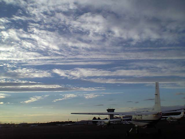 a plane\'s just taken off !!!_b0060102_14295491.jpg
