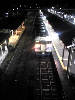夜の駅_e0063268_1591544.jpg
