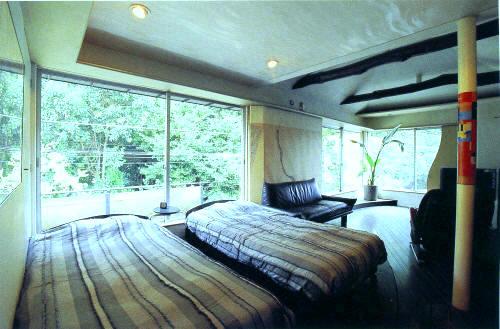 建築雑誌《世田谷の家づくり》に下馬の自邸が掲載されました。_e0010418_1826021.jpg