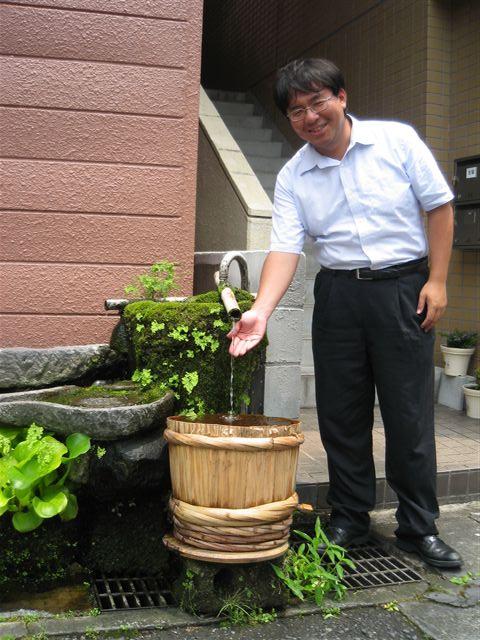 水汲み場で涼を楽しむ_b0039825_064019.jpg