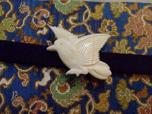 白鳩の帯留め_b0098077_16525966.jpg