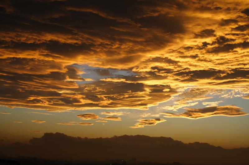 sunset clouds - Oct. 2007_e0061613_1161325.jpg