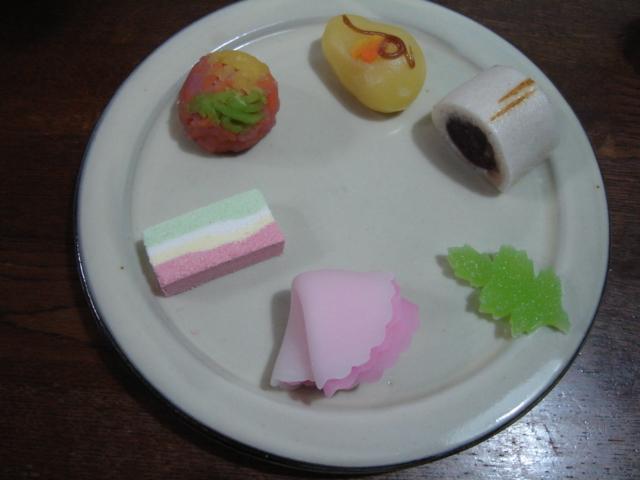 和菓子の花時計_a0025572_2173182.jpg