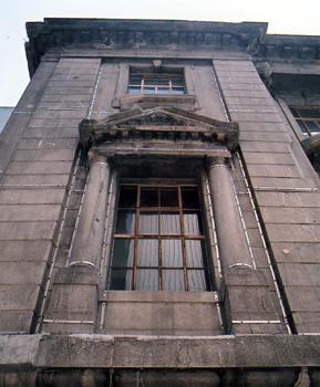 銀行の窓 横浜市(神奈川県)_e0098739_21564320.jpg