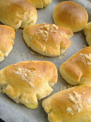 久しぶりにパンを焼く_f0082141_23473781.jpg