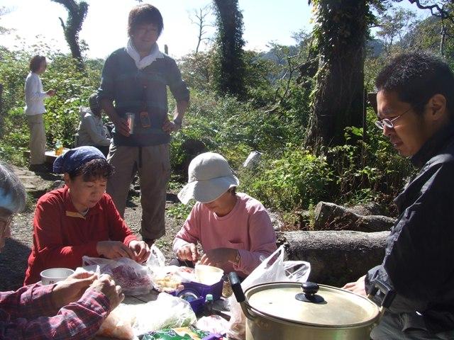 大山、キノコ狩りツアー  参加7名_d0007657_16552449.jpg