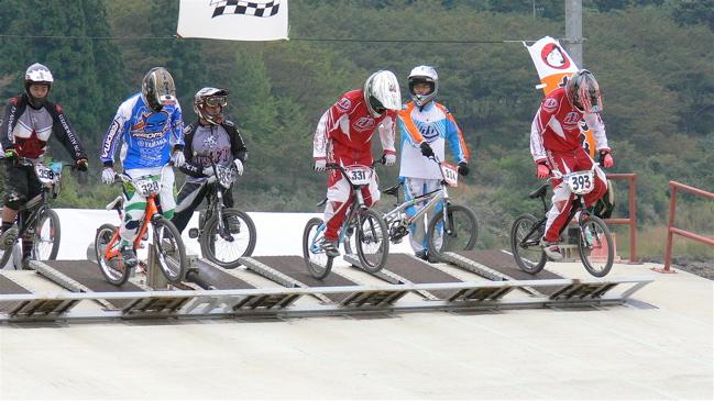 2007ジャパンシリーズ安芸高田市長杯VOL10メン17−24才、25−29クラス決勝の画像垂れ流し_b0065730_22391467.jpg