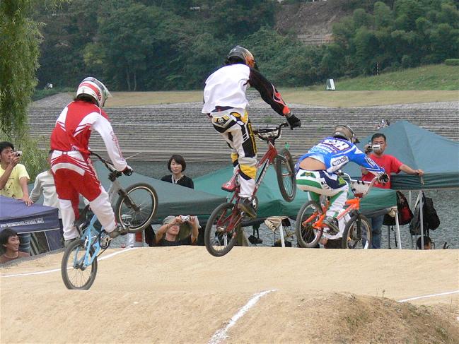 2007ジャパンシリーズ安芸高田市長杯VOL10メン17−24才、25−29クラス決勝の画像垂れ流し_b0065730_22405335.jpg