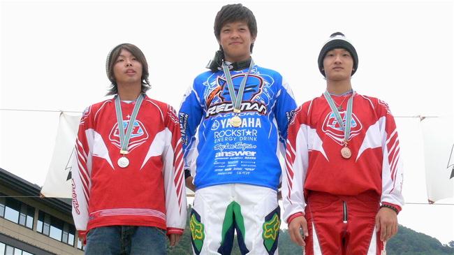 2007ジャパンシリーズ安芸高田市長杯VOL10メン17−24才、25−29クラス決勝の画像垂れ流し_b0065730_22461333.jpg