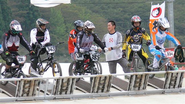 2007ジャパンシリーズ安芸高田市長杯VOL10メン17−24才、25−29クラス決勝の画像垂れ流し_b0065730_22491495.jpg