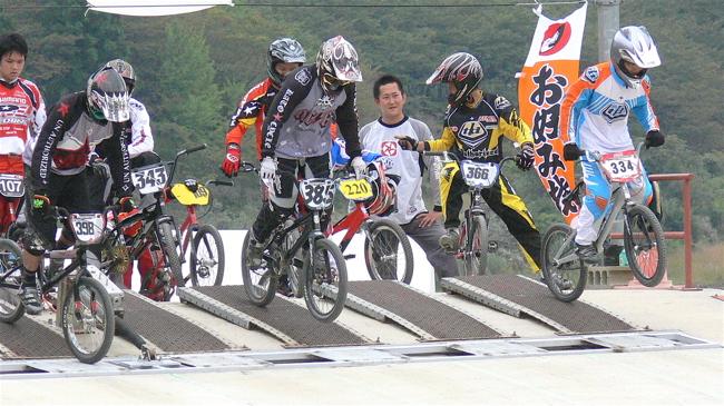 2007ジャパンシリーズ安芸高田市長杯VOL10メン17−24才、25−29クラス決勝の画像垂れ流し_b0065730_22493341.jpg