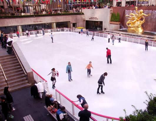 ロックフェラーセンターのアイススケート・リンク_b0007805_2272660.jpg