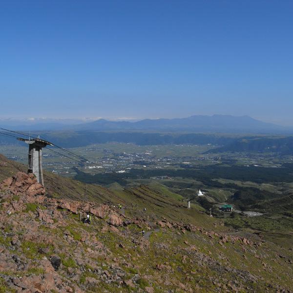 阿蘇中岳へ_c0049299_2117540.jpg