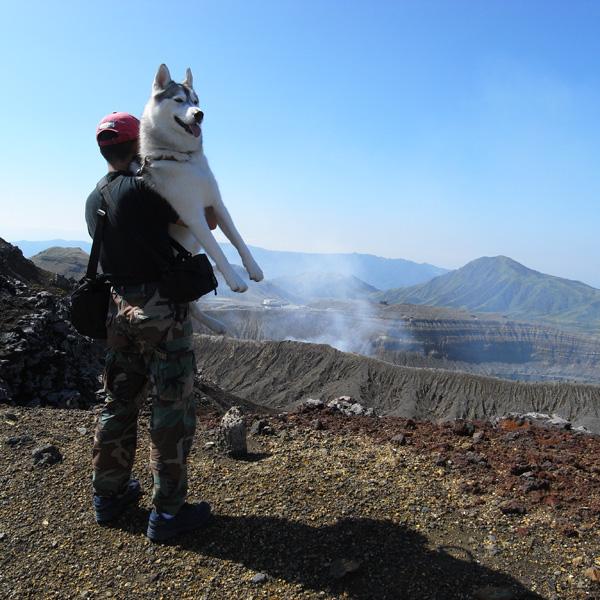 阿蘇中岳へ_c0049299_21195680.jpg