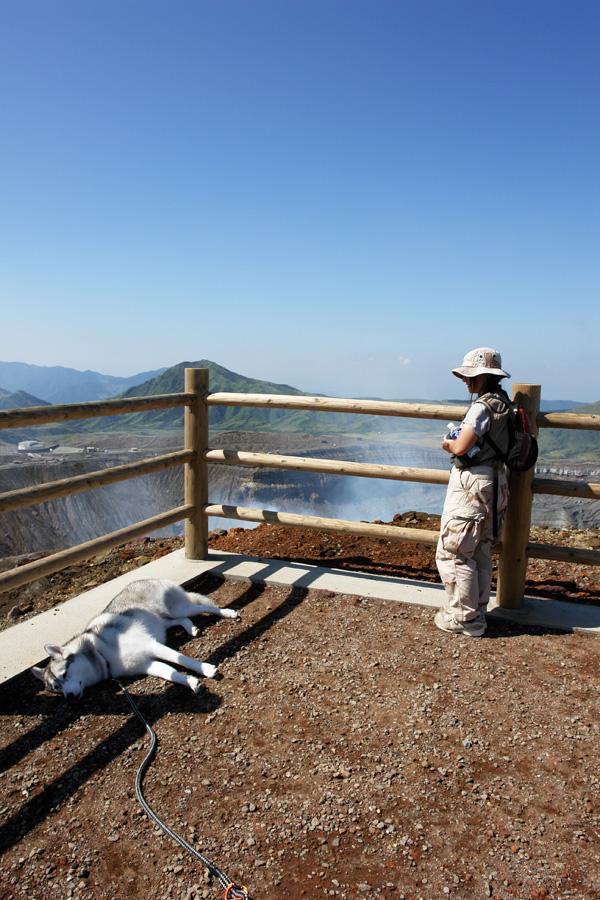 阿蘇中岳へ_c0049299_21223838.jpg