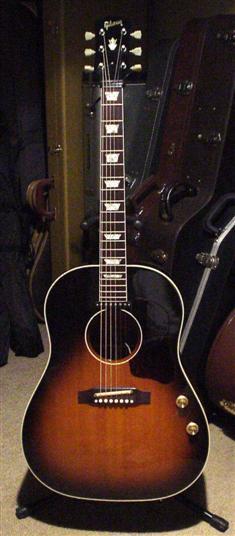 Gibson J-160E_c0137404_0175139.jpg