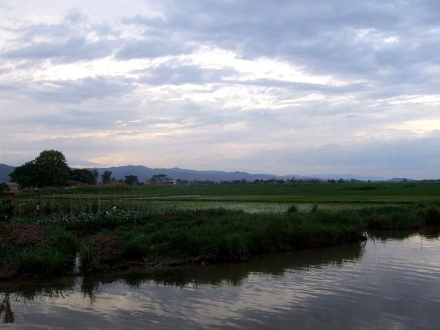 <インレー湖> さよなら、インレー湖_c0011649_1540725.jpg