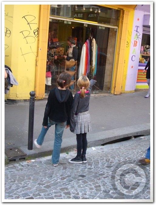■街角の子供たち(パリ)_a0008105_61406.jpg