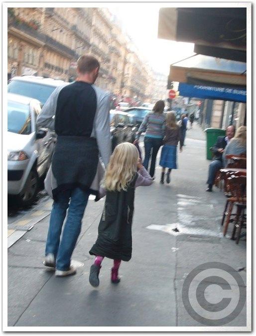■街角の子供たち(パリ)_a0008105_6141964.jpg