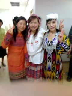 民族衣装ファッションショー(1)_f0030155_11151581.jpg