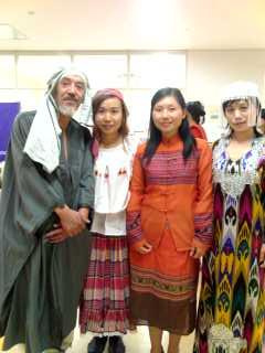 民族衣装ファッションショー(3)_f0030155_1546265.jpg