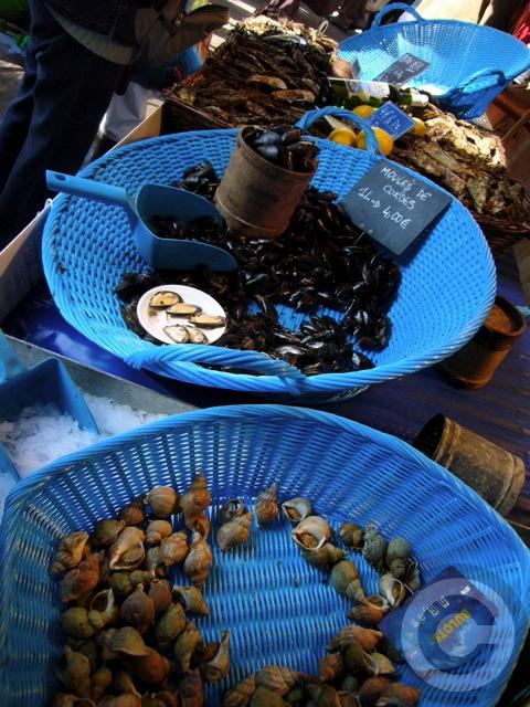 ■秋のマルシェの魚介類(バスティーユ)_f0063227_623379.jpg
