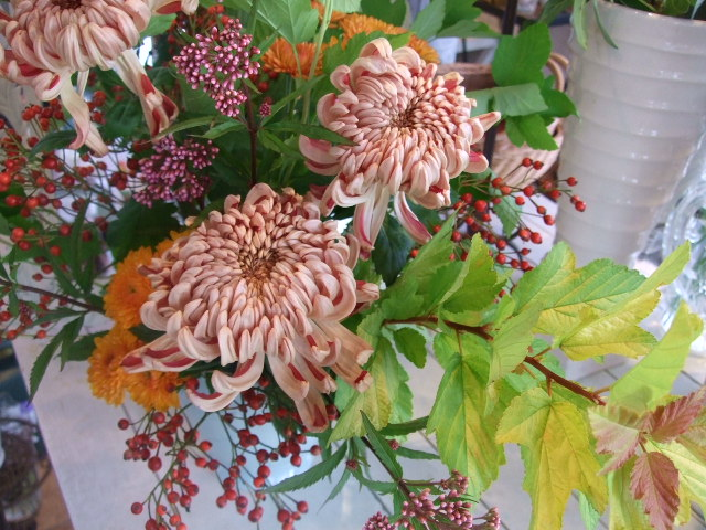 オークリーフ花の教室(望月さんの作品)_f0049672_1318876.jpg