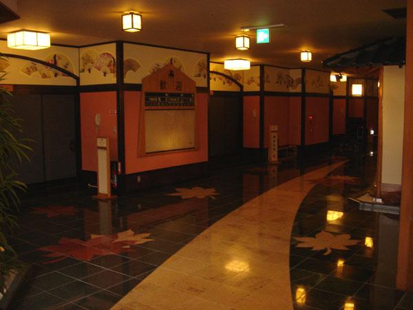 千と千尋の湯屋を感じる温泉旅館!_b0067774_11471198.jpg