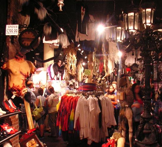 NY No1の仮装グッズ専門店 New York Costumes_b0007805_1344051.jpg