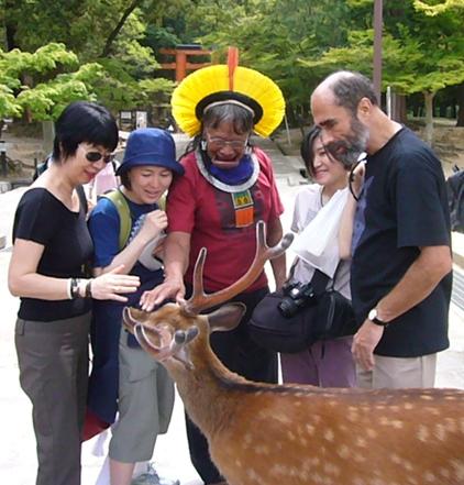 長老ラオー二、日本を行く  (3) 精霊が見えるか?_f0141559_3552341.jpg